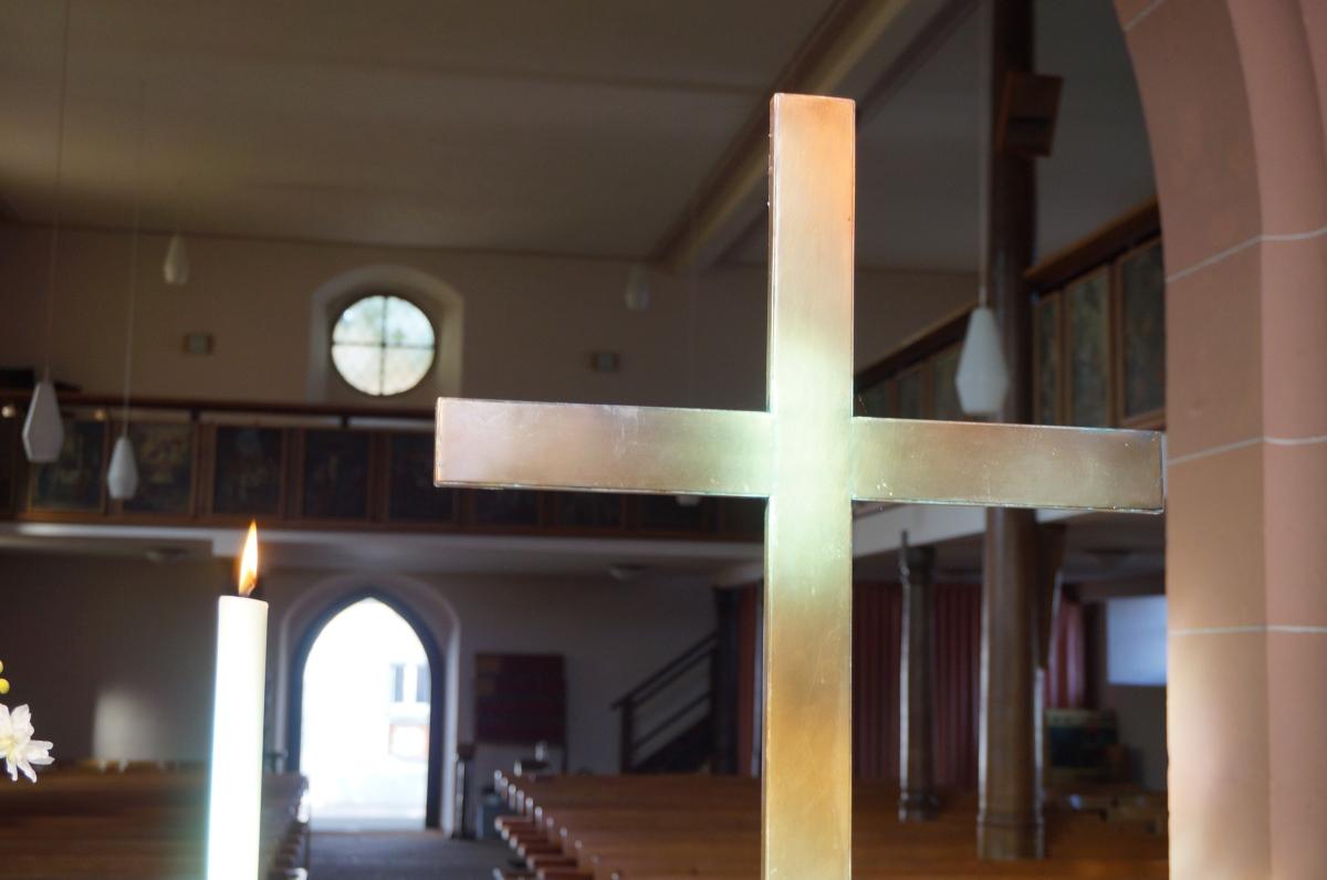 Kirche Weisweil Kreuz